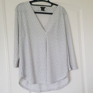 Ann Taylor Factory White tunic with black print